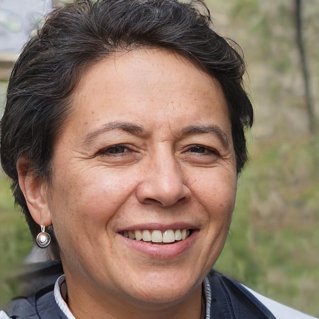 Julie Boulacheb - 48 ans